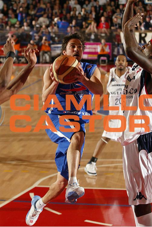 DESCRIZIONE : Biella Lega A1 2007-08 Angelico Biella Pierrel Capo Orlando<br /> GIOCATORE : Gianmarco Pozzecco<br /> SQUADRA : Pierrel Capo Orlando<br /> EVENTO : Campionato Lega A1 2007-2008 <br /> GARA : Angelico Biella Pierrel Capo Orlando  <br /> DATA : 17/04/2008 <br /> CATEGORIA : Tiro<br /> SPORT : Pallacanestro <br /> AUTORE : Agenzia Ciamillo-Castoria/E.Pozzo