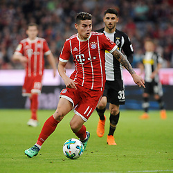 14.04.2018, Allianz Arena, Muenchen, GER, 1. FBL, FC Bayern Muenchen vs Borussia Moenchengladbach, 30. Runde, im Bild James Rodriguez (FC Bayern Muenchen) // during the German Bundesliga 30th round match between FC Bayern Munich and Borussia Moenchengladbach at the Allianz Arena in Muenchen, Germany on 2018/04/14. EXPA Pictures &copy; 2018, PhotoCredit: EXPA/ Eibner-Pressefoto/ Stuetzle<br /> <br /> *****ATTENTION - OUT of GER*****