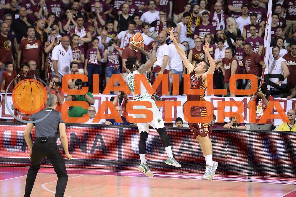 Thomas Adosin<br /> Umana Reyer Venezia - Sidigas Avellino<br /> Lega Basket Serie A 2016/2017<br /> Palyoff Semifinale Gara 1<br /> Venezia 26/05/2017<br /> Foto Ciamillo-Castoria
