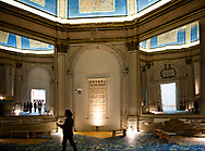 Venezia - 16. Mostra di Architettura. Padiglioni ai Giardini. L'ingresso al Palazzo delle Esposizioni.