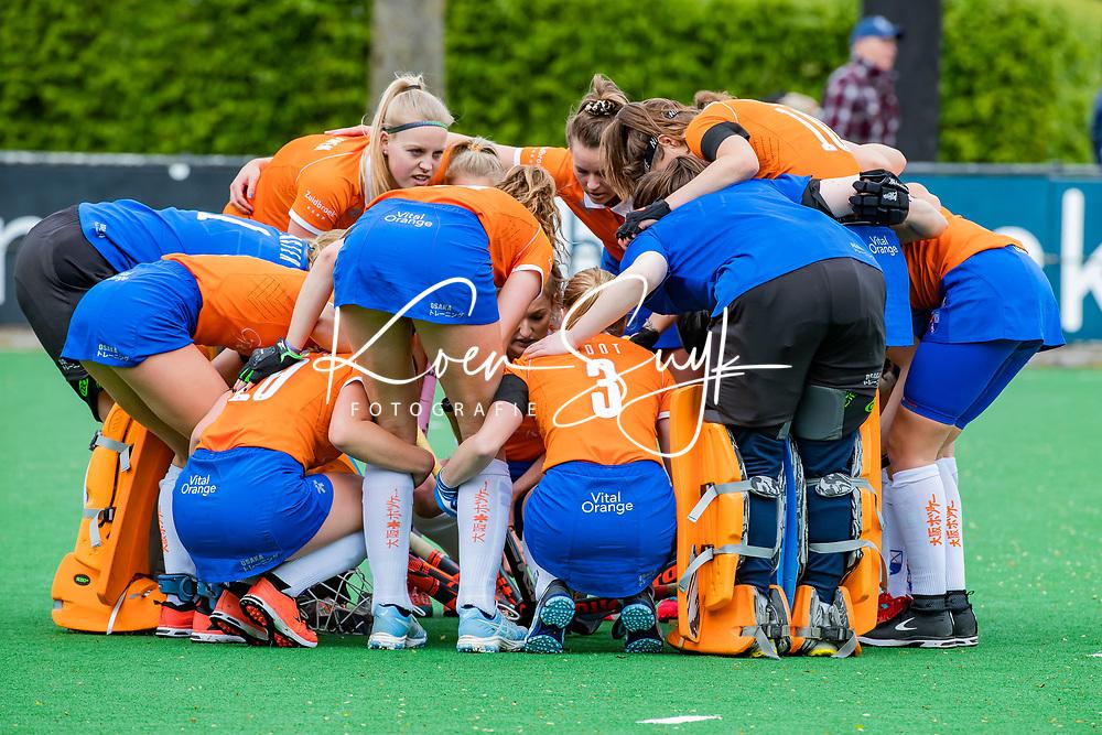 BLOEMENDAAL -  teamhuddle Bloemendaal   , Libera hoofdklasse hockey Bloemendaal-Pinoke (0-0). COPYRIGHT KOEN SUYK