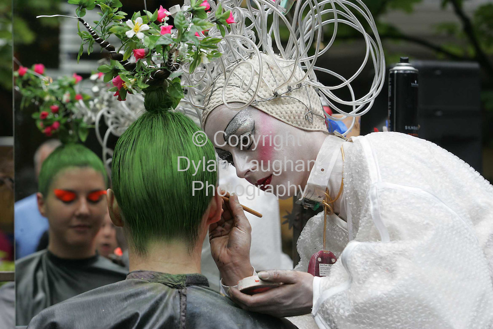 """11/8/2004.""""Osadia"""" from a Spanish street animation company pictured creating free psychedelic hairdos at the Market Cross Shopping Centre at the Kilkenny Arts Festival yesterday..Picture Dylan Vaughan"""