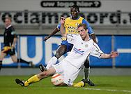 31-10-2007: Voetbal: KNVB Beker RKC Waalwijk - BV Veendam: Waalwijk<br /> Fred Benson, maker van de 3-0 en 4-0, geeft de bal voor. Ewald Koster komt te laat.<br /> Foto: Dennis Spaan
