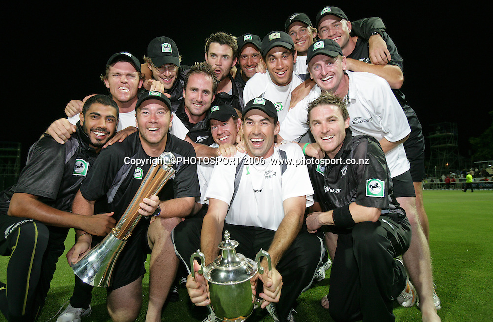 The Black Caps celebrate after winning the 3rd Chappell Hadlee one day match at Seddon Park, Hamilton, New Zealand on Tuesday 20 February 2007. Photo: Andrew Cornaga/PHOTOSPORT<br />