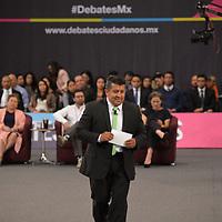Toluca, México.- (Junio 11, 2018).- Omar Santiago Huerta canditato a la alcaldia de Toluca por el partido Verde Ecologista participo en el debate organizado por organizaciones civiles, educativas y empresariales, tratando temas en materia de seguridad, desarrollo sustentable, corrupción y economía. Agencia MVT / Crisanta Espinosa.