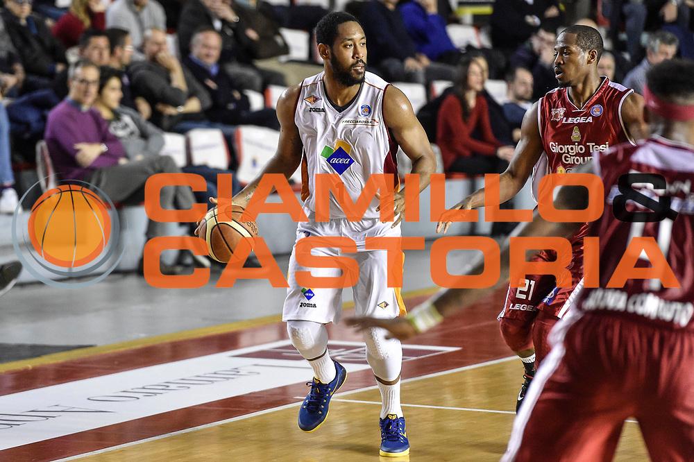 DESCRIZIONE : Campionato 2014/15 Virtus Acea Roma - Giorgio Tesi Group Pistoia<br /> GIOCATORE : Austin Freeman<br /> CATEGORIA : Palleggio<br /> SQUADRA : Virtus Acea Roma<br /> EVENTO : LegaBasket Serie A Beko 2014/2015<br /> GARA : Dinamo Banco di Sardegna Sassari - Giorgio Tesi Group Pistoia<br /> DATA : 22/03/2015<br /> SPORT : Pallacanestro <br /> AUTORE : Agenzia Ciamillo-Castoria/GiulioCiamillo<br /> Predefinita :