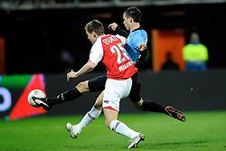 03-04-2010 VOETBAL: AZ - FC UTRECHT: ALKMAAR<br /> FC utrecht verliest met 2-0 van AZ / Ricky van Wolfswinkel scoort bijna de 1-1 maar Niklas Moisander hindert hem goed<br /> ©2009-WWW.FOTOHOOGENDOORN.NL