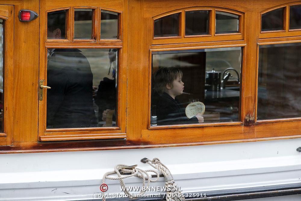 NLD/Amsterdam/20120314 - American superstar Angeeina Jolie visits Amsterdam with her childeren Shiloh and Zahara,