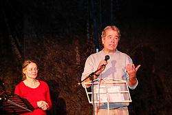 40 Jahre Gorleben, das heißt auch 40 Jahre Bürgerinitiative Umweltschutz Lüchow-Dannenberg e.V. – am 2. März 1977 wurde die BI in das Vereinsregister eingetragen. <br /> Dies nahm die BI zum Anlass, am 25.03.2017 zur Jubiläumsfeier in die Trebelner Bauernstuben  einzuladen. Im Bild: BI-Vorstandsmitglied Elisabeth Hafner-Reckers und Journalist Reimar Paul<br /> <br /> Ort: Trebel<br /> Copyright: Michaela Mügge<br /> Quelle: PubliXviewinG