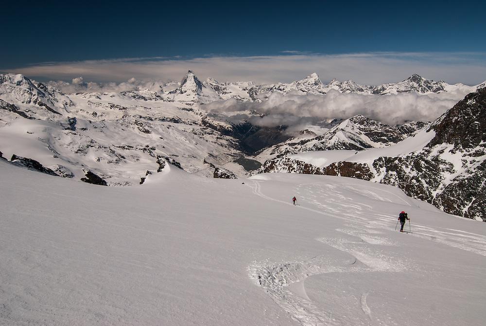 Reign of ice, at the feet of Matterhorn Cervino