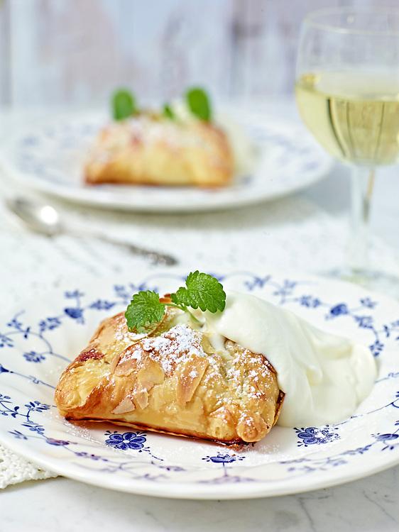 Motiv:Dessert &Auml;pple<br /> Recept: Katarina Carlgren<br /> Fotograf: Thomas Carlgren<br /> Anv&auml;ndningsr&auml;tt: Publ en g&aring;ng<br /> Annan publicering kontakta fotografen