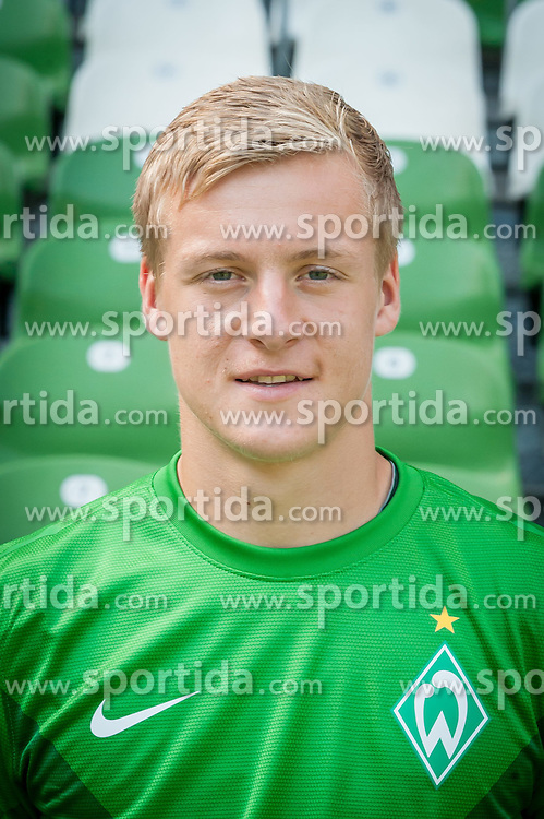 27.07.2012, Weserstadion, Bremen, GER, 1. FBL, SV Werder Bremen, Fototermin, im Bild Felix Kroos (SV Werder Bremen #18) // during the official Team Photo Call of the German Bundesliga Club SV Werder Bremen at the Weserstadion, Bremen, Germany on 2012/07/27. EXPA Pictures © 2012, PhotoCredit: EXPA/ Andreas Gumz ***** ATTENTION out of GERMANY *****