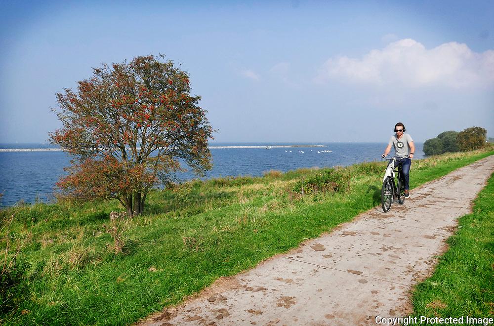September 24, 2017 - 15:58<br /> The Netherlands, Diemen - Diemerzeedijk