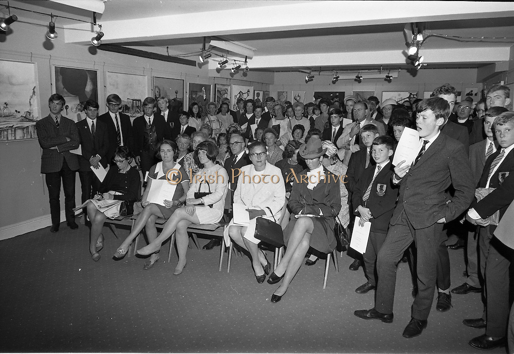 17/09/1968<br /> 09/17/1968<br /> 17 September 1968<br /> Glenstal Abbey School Painting Exhibition opened at the Little Theatre in Brown Thomas, Grafton Street, Dublin. Picture shows a view of the attendees at the opening including pupils from the school.