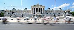 08.07.2012, Universitaetsring, Wien, AUT, 64. Oesterreich Rundfahrt, 8. Etappe, Podersdorf am Neusiedler See - Wien, im Bild Radfahrer vor Palament auf der Ringstraße // Cyclists in front of the austrian parliament  during the 64th Tour of Austria, Stage 8, from Podersdorf/Neusiedlersee to Vienna, Vienna, Austria on 20120708, EXPA Pictures © 2012, PhotoCredit: EXPA/ M. Gruber