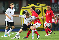 03.06.2011, Ernst Happel Stadion, Wien, AUT, UEFA EURO 2012, Qualifikation, Oesterreich (AUT) vs Deutschland (GER), im Bild Zweikampf zwischen Toni Kroos, (GER, #18) und Julian Baumgartlinger, (AUT, #14)  // during the UEFA Euro 2012 Qualifier Game, Austria vs Germany, at Ernst Happel Stadium, Vienna, 2010-06-03, EXPA Pictures © 2011, PhotoCredit: EXPA/ T. Haumer