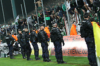 Fotball<br /> Frankrike<br /> Foto: DPPI/Digitalsport<br /> NORWAY ONLY<br /> <br /> FOOTBALL - FRENCH CHAMPIONSHIP 2008/2009 - L1 - AS ST ETIENNE v VALENCIENNES - 30/05/2009<br /> <br /> POLICE
