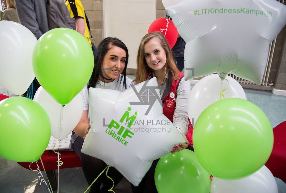 10.10.2016               REPRO FREE       <br /> Attending the Pay It Forward Limerick campaign at Limerick Institute of Technology were, Laura Downey and Isabel Szlachta. Picture: Alan Place