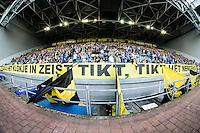 ARNHEM - Vitesse - FC Groningen , Voetbal , Eredivisie, Seizoen 2015/2016 , Gelredome , 03-10-2015 , Spandoek van Vitesse aanhang met daar op Zoals hrt klokje in Zeist tikt, tikt het nergens