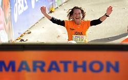 03-11-2013 ALGEMEEN: BVDGF NY MARATHON: NEW YORK <br /> De NY marathon werd weer een groot succes voor de BvdGf. Alle lopers hebben met prachtige tijden de finish gehaald / Igna finisht in 4:18:37<br /> ©2013-FotoHoogendoorn.nl