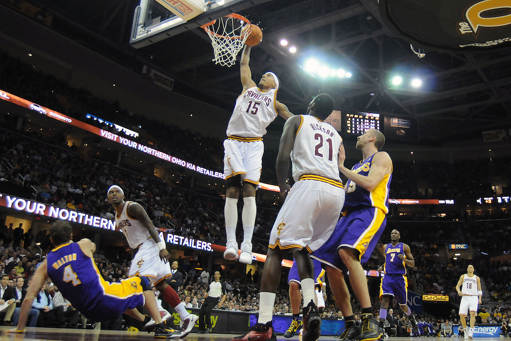 Feb. 16, 2011; Cleveland, OH, USA; Cleveland Cavaliers small forward Jamario Moon (15) dunks against the Los Angeles Lakers during the second quarter at Quicken Loans Arena. Mandatory Credit: Jason Miller-US PRESSWIRE