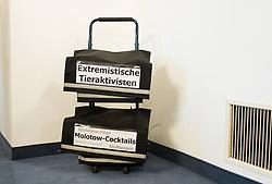 """12.03.2019, Hofburg, Wien, AUT, Parlament, Untersuchungsausschuss zur Klärung der Vorkommnisse im Bundesamt für Verfassungsschutz und Terrorismusbekämpfung (BVT), im Bild Aktenwagen mit der Aufschrift """"Extremistische Tieraktivisten und Molotow-Cocktails, Brandanschläge, Buttersäure, Drohungen, Sachbeschädigungen"""" // during meeting of the enquiry commitee in case of the incidents at the Federal Agency for State Protection and Counter Terrorism at austrian parliament in Vienna, Austria on 2019/03/12, EXPA Pictures © 2019, PhotoCredit: EXPA/ Michael Gruber"""