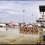 L'Aeroporto di Bari-Palese Macchie o Aeroporto Karol Wojtyla, è il principale aeroporto pugliese. Serve l'intera provincia di provincia di Bari, provincia di Barletta-Andria-Trani