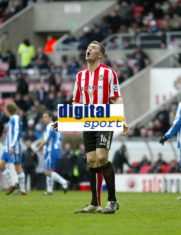Photo: Andrew Unwin.<br /> Sunderland v Wigan Athletic. The Barclays Premiership. 11/03/2006.<br /> Sunderland's Kevin Kyle appeals to the assistant referee as he is judged to be offside.