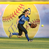 Adam Robison | BUY AT PHOTOS.DJOURNAL.COM<br /> Hamilton left feilder Hannah Rooks drops the catch against Tupelo in the fourth inning.