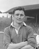 Fotball<br /> England<br /> Foto: Colorsport/Digitalsport<br /> NORWAY ONLY<br /> <br /> Chelsea historikk<br /> Ken Armstrong (Chelsea)  1947 / 48.