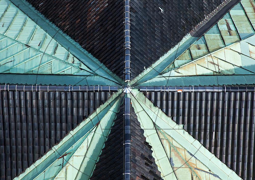 Vor Frelser Kirke, København, udskiftning af kobbertag, tegltag, kobbertag, skotrender, tagkam, samlinger
