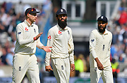 Joe Root of England walks off for lunch with Moeen Ali and Adil Rashid of England during day 3 of the 5th test match of the International Test Match 2018 match between England and India at the Oval, London, United Kingdom on 9 September 2018.