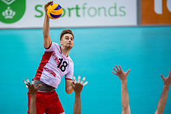 27-05-2017 NED: 2018 FIVB Volleyball World Championship qualification day 4, Apeldoorn<br /> Oostenrijk - Nederland / Paul Buchegger #18