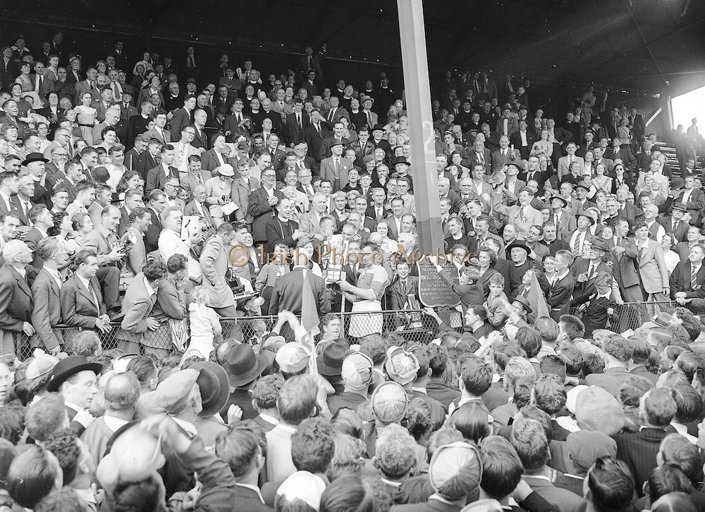 Neg No: 860/a1769-a1778, 4091955AISHCF, 04.09.1955, 09.04.1955, 4th September 1955, All Ireland Senior Hurling Championship - Final, Wexford.03-13, Galway.02-08,
