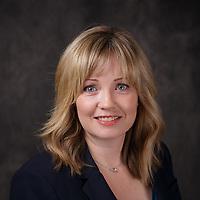 2017_03_16 - Cindy Pauliszyn LinkedIn Headshots