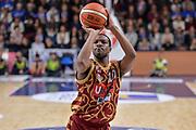 DESCRIZIONE : Campionato 2015/16 Serie A Beko Dinamo Banco di Sardegna Sassari - Umana Reyer Venezia<br /> GIOCATORE : Mike Green<br /> CATEGORIA : Tiro Libero<br /> SQUADRA : Umana Reyer Venezia<br /> EVENTO : LegaBasket Serie A Beko 2015/2016<br /> GARA : Dinamo Banco di Sardegna Sassari - Umana Reyer Venezia<br /> DATA : 01/11/2015<br /> SPORT : Pallacanestro <br /> AUTORE : Agenzia Ciamillo-Castoria/L.Canu