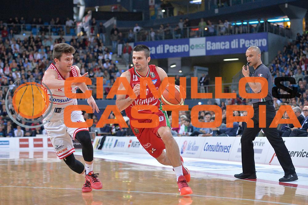 Andrea Cinciarini<br /> Consultinvest Victoria Libertas Pesaro - EA7 Emporio Armani Olimpia MIlano<br /> Lega Basket Serie A 2016/2017<br /> Pesaro, 30/04/2017<br /> Foto M.Ceretti / Ciamillo - Castoria