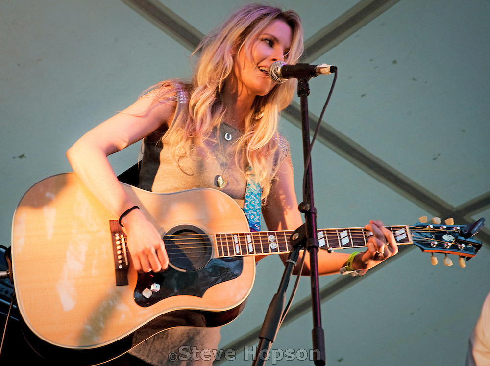 Elizabeth Cook performs at the Old Settler's Music Festival in Driftwood, Texas, April 17, 2010.