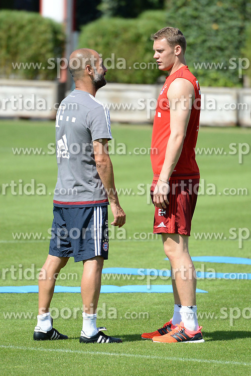06.08.2015, Saebener Strasse, Muenchen, GER, 1. FBL, FC Bayern Muenchen, im Bild vl. Pep Guardiola ( FC Bayern Muenchen ) und Manuel Neuer ( FC Bayern Muenchen ) // during a Trainingssession of German Bundesliga Club FC Bayern Munich at the Saebener Strasse in Muenchen, Germany on 2015/08/06. EXPA Pictures &copy; 2015, PhotoCredit: EXPA/ Eibner-Pressefoto/ Vallejos<br /> <br /> *****ATTENTION - OUT of GER*****