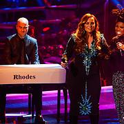 NLD/Hilversum/20121214 - Finale The Voice of Holland 2012, optreden Trijntje Oosterhuis en Leona Phillipo