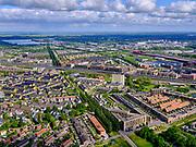Nederland, Utrecht, Utrecht; 14–05-2020; stadsdeel Leidsche Rijn, gezien vanuit de wijk Terwijde. In het midden Vleutensebaan en spoorlijn Utrecht-Gouda, rechts bedrijventerrein De Wetering met the Wall. Zicht op de bomenrij van de Rijnkennemerlaan, richting Haarrijnse Plas.<br /> Leidsche Rijn district, Terwijde district in the foreground. View on the trees of the De Rijnkennemerlaan.<br /> <br /> luchtfoto (toeslag op standaard tarieven);<br /> aerial photo (additional fee required)<br /> copyright © 2020 foto/photo Siebe Swart<br /> <br /> copyright © 2020 foto/photo Siebe Swart