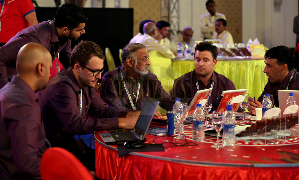 Royal Challangers Banglore team during the Pepsi IPL Player Auction held at the ITC Gardenia in Bengaluru, India on the 13th February 2014<br /> <br /> Photo by Sandeep Shetty/BCCI/SPORTZPICS