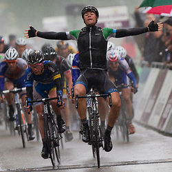 Olympia's Tour Ulft-Genderingen Jeff Vermeulen wint zijn tweede etappe en wordt de nieuwe leider
