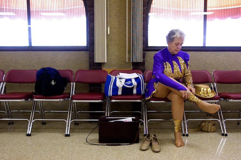 UNITED STATES-SUN CITY-The Sun City Poms, a group of cheerleaders in retirement community Sun City. VERENIGDE STATEN-SUN CITY- De Sun City Poms een groep cheerleaders in ouderenstad Sun City. COPYRIGHT GERRIT DE HEUS
