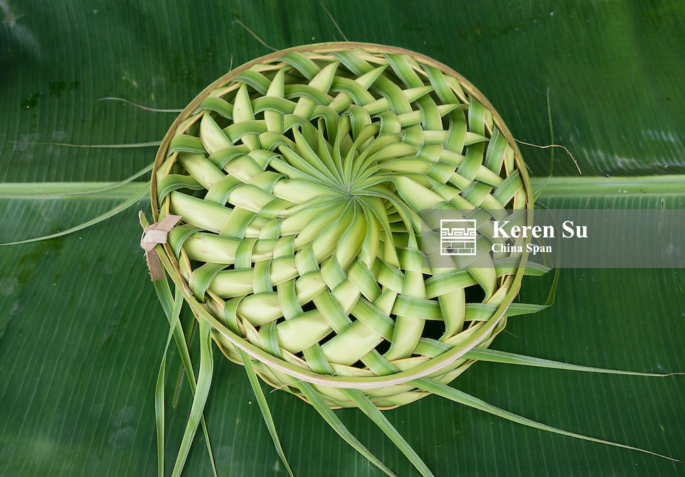 Basket made of banana leaves, Yap Island, Federated States of Micronesia