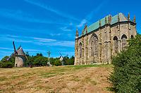 France, Vendée (85), Les Herbiers, le Mont des Alouettes, les moulins // France, Vendée, Les Herbiers, le Mont des Alouettes, windmill