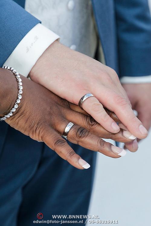 NLD/Amsterdam/20120721 - Huwelijk Berget Lewis en Sebastiaan van Rooijen, ringen