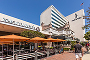 Restaurants on Wilshire Blvd Next to Sag-Aftra Building
