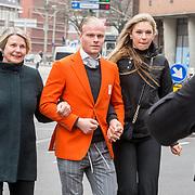 NLD/Den Haag/20180323 - Huldiging Olympische en Paralympische medaillewinnaars, Koen Verweij met zijn moeder en vriendin Jutta Leerdam