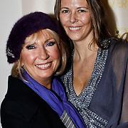 NLD/Amsterdam/20100223 - Jubileumconcert Willeke Alberti, Willeke met dochter Danielle Oonk